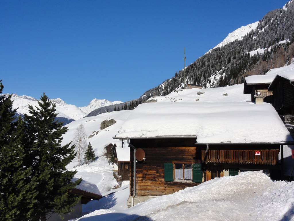 Winter View House and Alps